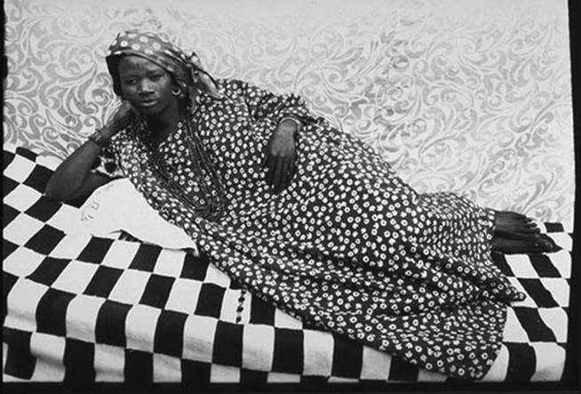 SEydou Keïta, 1956-57, tirage argentique moderne, 120 x 180 cm collection privé