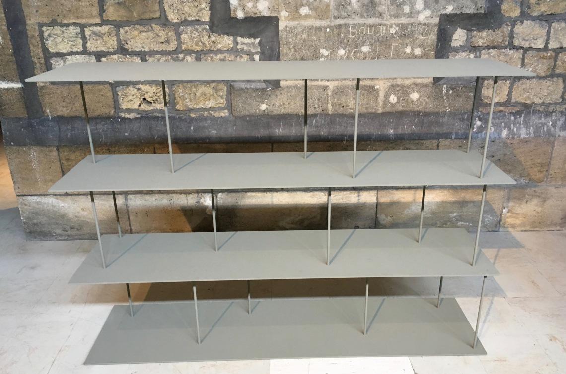 3. martin szekely étagère tino, 2009, aluminium 4g, acier, nextel, 120 x 173 x 43 cm.fabrication tpu. collection particulière