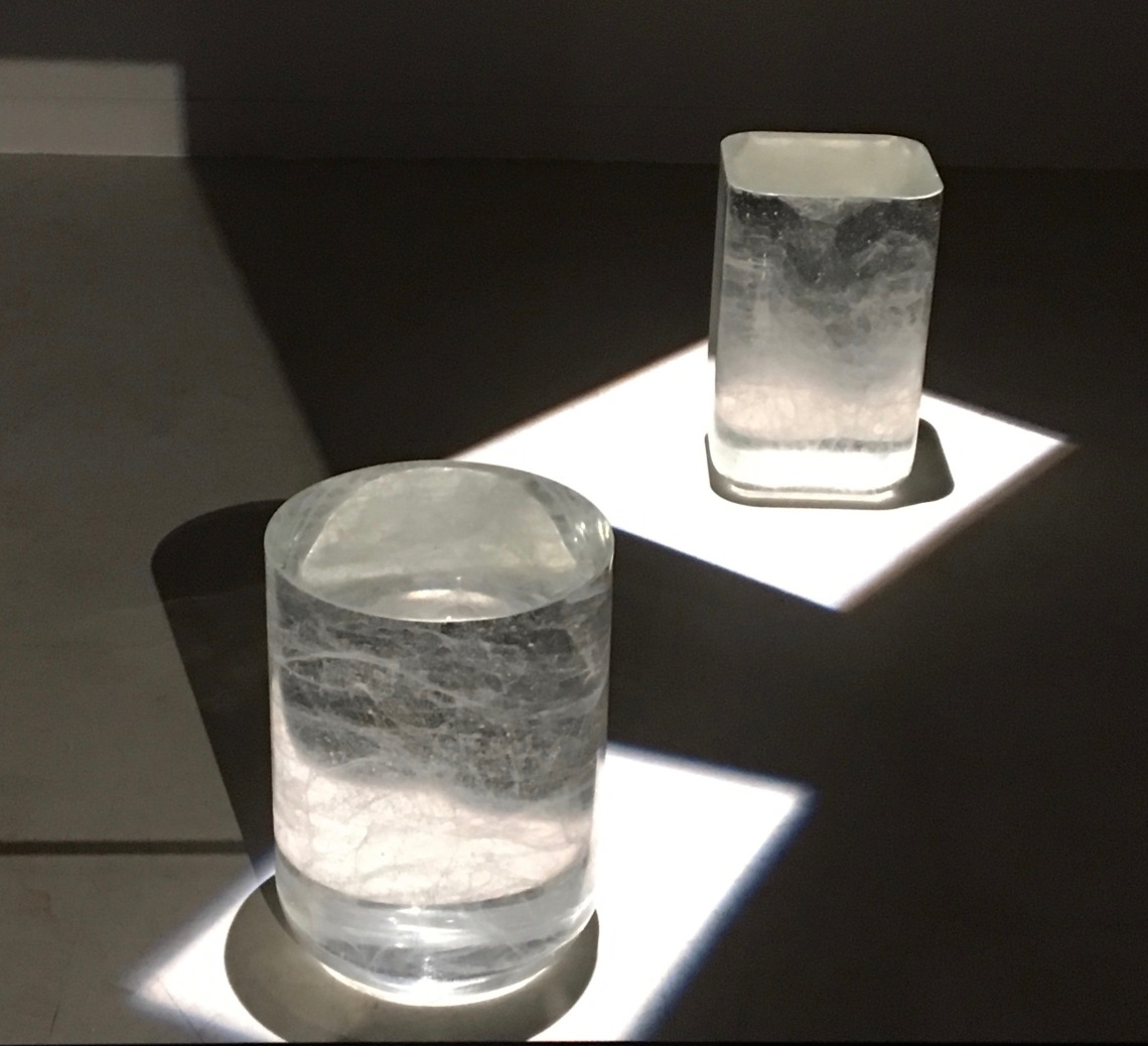 5. martin szekely bing one , bout de canapé,2005, cristal, 40 x o 33 cm. collection particulière bing square. à suivre